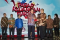 foto penghargaan pasar keuangan rakyat