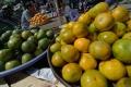 foto permintaan buah jelang lebaran